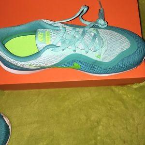 Nike flex trainer6! New in box! Size7!
